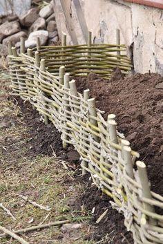 Sanna & Sania: Do it yourself Garden Deco, Garden Trellis, Garden Fencing, Vegetable Garden, Back Gardens, Outdoor Gardens, Wattle Fence, Sloped Garden, Garden In The Woods