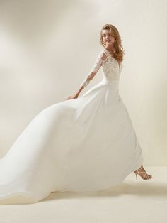 Flared wedding dress two-piece effect lace