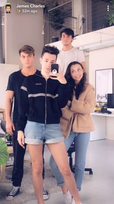 Honestly my fav squad Ethan Dolan, Ethan And Grayson Dolan, Bff Goals, Squad Goals, Friend Goals, Dolan Twins Wallpaper, Emma James, Vlog Squad, Emma Chamberlain