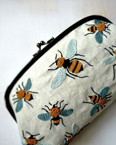 Bee embroidered clutch :: French Knots