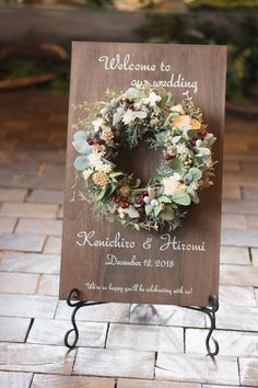Top 15 Christmas Wedding Welcome Signs to Rock - Woods and Fairy Flower Decorations, Wedding Decorations, Wedding Welcome Board, Diy Wedding, Wedding Flowers, How To Preserve Flowers, Flower Boxes, Christmas Wedding, Dried Flowers