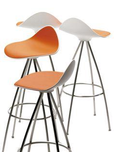 Onda stool is a design of Jesus Gasca, the founder ofSTUA that produces them.Follow:STUA Timeless Design