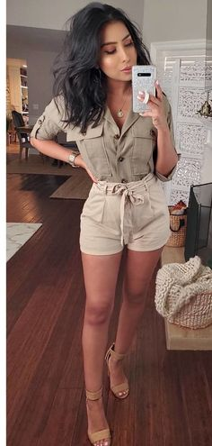 Breathtaking Summer Outfits To Update Your Wardrobe brown shorts Crop Top Outfits, Preppy Outfits, Cute Outfits, Fashion Outfits, Womens Fashion, Fashionable Outfits, College Outfits, Work Fashion, Fashion Clothes