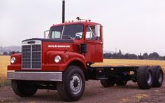 1970 White Western Star 4864 Construction Chassis - red - fvl
