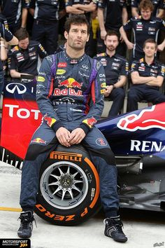 Mark Webber at the Red Bull Racing team photo, United States Grand Prix Red Bull Racing, F1 Racing, Racing Team, Mark Webber, Photoshoot Concept, Australian Men, Formula 1 Car, F1 Drivers, Car And Driver