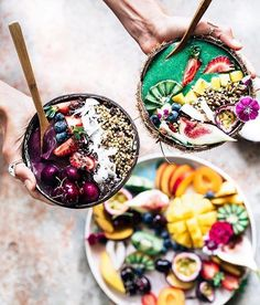 Breakfast bowls and mixed fruit so much energy  by @earthyandy