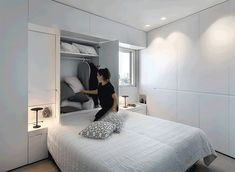 Folding It Up by XS Studio for compact design - Small room design Bedroom Closet Design, Modern Bedroom Design, Home Decor Bedroom, Master Bedroom, Modern Design, Bedroom Designs, Placard Design, Home Design, Interior Design
