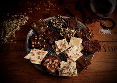 Pimp my Schoggi! – ALL BUTTERCUPS & smelly feet Cheese, Desserts, Food, Molten Chocolate, White Chocolate, Pistachios, Bakken, Simple, Presents
