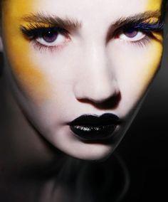 Yellow Bodypainting & Makeup