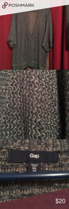 Beautiful Gap Sweater. Very nice sweater looks great. Open to offers. GAP Sweaters Cardigans