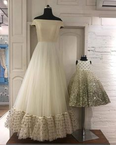 ♦️mother daughter matching dresses👗 Book ur orders now 🔔 ♥️All sizes available ♥️ For any qery or detail dm or whatsapp us at Mom Daughter Matching Outfits, Mommy Daughter Dresses, Mom And Baby Dresses, Mother Daughter Fashion, Mom Dress, Little Girl Dresses, Baby Outfits, Red Lehenga, Lehenga Choli