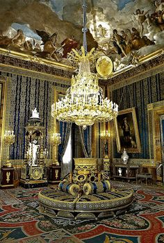 Madrid's Royal Palace was conceived in the 18th century by fine King Philip V, who came from France. He ordered the construction of a Versailles styled palace and today we can still enjoy its interior like this room: the antechamber of King Charles III. | Learn more: http://www.touristeye.com/Royal-Palace-Madrid-p-914