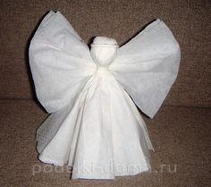Wenn Sie einen schönen Engel aus Servietten falten wollen, dann ist diese Seite genau für Sie. Schauen Sie mal diese einfache Anleitung.