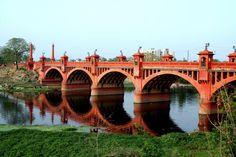 Hardinge bridge [or khadra bridge or 'pakka pul' more popularly known], Lucknow, India.  bridge opened on 10.1.1914 by Lord Hardinge the then Viceroy & Governer General of India.