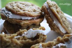 Toriology ~ Oatmeal Creme Pies...homemade and organic.  Sooo good!!