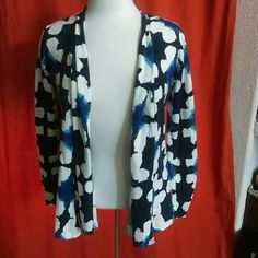 Anthropologie Gorgeous floral cardigan PLEASE READ THE FOLLOWING: -I ship quick and love REASONABLE offers -Smoke and pet free - If its $10 or under, I WILL NOT accept offers. Save more by bundling!  -I do not model anything; everything looks different on everyone and I don't wasn't too Jade that. I will put the item on a dress form or find factory pics and provide measurements. -NO HOLDS, NO TRADES, POSH RULES ONLY!!! Anthropologie Sweaters Cardigans