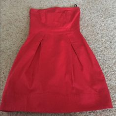 French Connection Wizard Dress Host pick 11/4 No rips or stains. This item is in good condition but it has been worn please ask any questions before purchasing. Price is firm. French Connection Dresses
