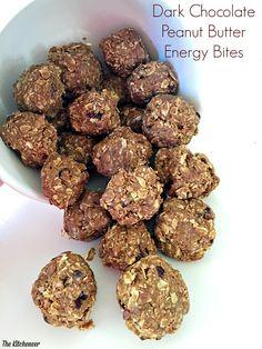 Dark Chocolate Peanut Butter Energy Bites | http://www.thekitcheneer.com/2015/03/30/dark-chocolate-peanut-butter-energy-bites/
