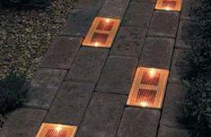 """mattoni solari. Si tratta di """"mattoni"""" a LED, che non richiedono nessuna installazione particolare, nessuna cablatura."""