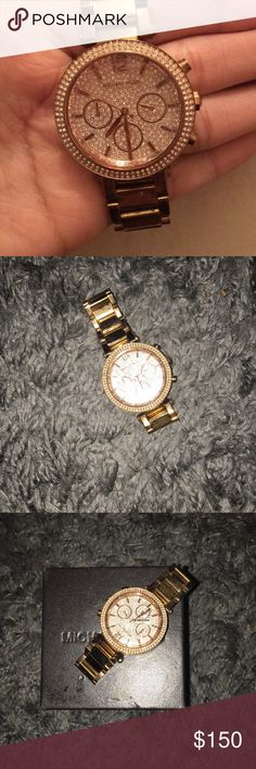 MICHAEL KORS DIAMOND WATCH Like new with beautiful diamonds on the inside Michael Kors Accessories Watches