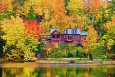 Stowe, Vermont | 21 Spectacular Places All People Who Love Fall Colors Must Visit