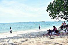 เที่ยว เกาะขาม สัตหีบ จ.ชลบุรี บรรยากาศดี ทะเลสวย น้ำใส Beach, Water, Outdoor, Gripe Water, Outdoors, The Beach, Beaches, Outdoor Living, Garden