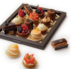 beautiful individual cakes