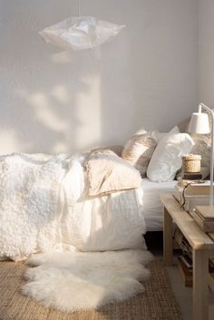 115 Best Couples First Apartment Decorating Ideas Couples First Apartment, First Apartment Decorating, Apartments Decorating, Boho Chic Bedroom, Comfy Bedroom, Bedroom Simple, Room Design Bedroom, Bedroom Styles, Bedroom Designs