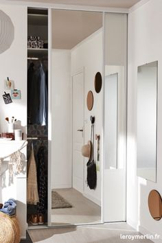 14 Fabulous Rustic Chic Bedroom Design and Decor Ideas to Make Your Space Special - The Trending House Wardrobe Door Designs, Wardrobe Design Bedroom, Closet Designs, Closet Bedroom, Room Decor Bedroom, Bedroom Furniture, Hallway Furniture, Bedroom Small, Bedroom Modern