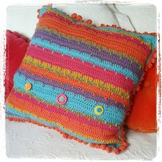 Ravelry: Crazy Daisy Cushion pattern by The Little Bee ~ Alia Bland