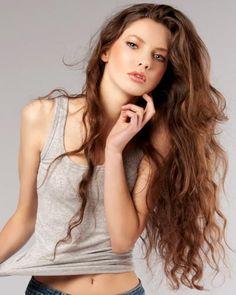 Long Wavy Hairstyles: 3 Ways