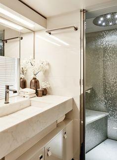 15 Sophisticated Home Decor Ideas By Eric Kuster To Copy This Fall | Decorating Ideas. Interior Design Inspiration. Bathroom Decor. #homedecor #interiordesign #erickuster Read more: https://www.brabbu.com/en/inspiration-and-ideas/interior-design/sophisticated-decorating-ideas-eric-kuster-copy-fall