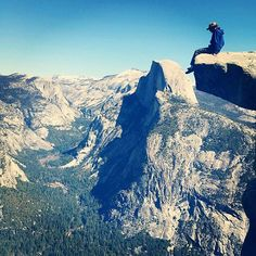 Taking it all in with tribesman Tommy Cantrell. Yosemite National Park. #hippytreetribe #surfandstone