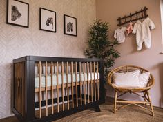 Now that the holidays are over, try this winter home decorating idea to make the most of any room in Jungle Thema, Winter House, Baby Room Decor, Girl Room, Cribs, Nursery, Bedroom, Meraki, Babyshower