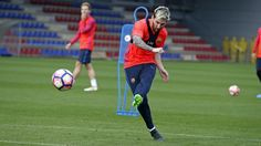 Lionel Messi Practice Soccer Usa, Lionel Messi, Running, Sports, Hs Sports, Keep Running, Why I Run, Sport