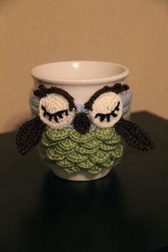 Crochet Owl Mug Cozy, Coffee Cup Cozy, Crochet Cup Sleeve, Owl Mug koozies, Owl Cozies, Owl Crochet, Crochet Owl Cozies, Crochet Owl Cozy by MrsVsCrochet on Etsy https://www.etsy.com/listing/178949669/crochet-owl-mug-cozy-coffee-cup-cozy