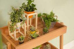 Você pode apostar em uma decoração bem colorida e animada, ou completar o visual do cantinho zen na varanda com algumas plantas e detalhes decorativos que trazem mais personalidade para o ambiente.