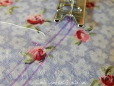 Sew to the point and pivot Sewing Basics, Sewing Tips, Sewing Hacks, Diy Hair Bun Maker, Elegant Bun, Little Girl Photos, Sewing Headbands, Wire Headband, Fabric Scissors