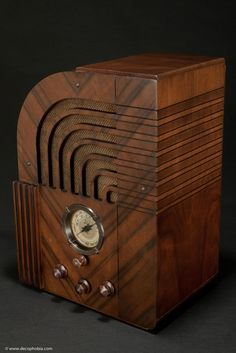 Art Deco Radio | Zenith Model 812 Art Deco 1935 Radio - The 811 Export Version
