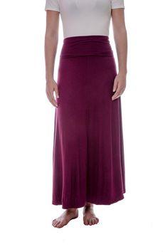 """Jupe multifonction à large """"ceinture"""" qu'on peut replier ou qu'on peut étirer pour porter en robe, évasée, descend à la cheville en jupe ou à mi-mollet en robe. C'est le confort absolu dans cette """"jupe-robe"""" qui se porte dans votre train-train quotidien comme dans vos sorties!"""