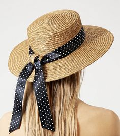 Talk Derby to Me: Celebrity-Inspired Hats to Wear to the Races via @WhoWhatWear Races Fashion, Gothic Fashion, Fashion Fashion, Spanish Woman, Boater Hat, Mad Hatter Hats, Summer Hats, Winter Hats, Kentucky Derby Hats