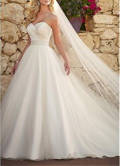 Romantic Satin & Tulle Ball Gown Strapless Sweetheart Neckline Natural Waist Beaded Appliques 2013 Wedding Dress