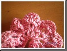 お花みたいな☆フリルたっぷりのヘアゴム♪の作り方 手順|10|編み物|編み物・手芸・ソーイング|ハンドメイド、手作り作品の作り方ならアトリエ Scrunchies, Raspberry, Crochet, Floral, Flowers, Handmade, Head Bands, Knit Crochet, Craft