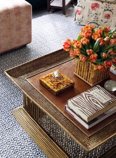Coffee table styling by designer Ashley Whittaker Coffee Table Vignettes, Coffee Table Styling, Decorating Coffee Tables, 5th Avenue New York, Mint Walls, Navy Living Rooms, Ferrat, Green Kitchen, Interior And Exterior