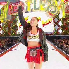 The baddest woman on the planet Ronda Rousey Wwe, Ronda Jean Rousey, Wrestling Superstars, Women's Wrestling, Rounda Rousey, Wwe Girls, Wwe Ladies, Rowdy Ronda, Ufc Women