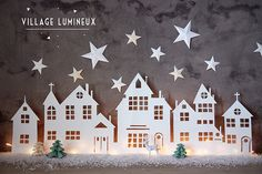 A Christmas village is actually essential in winter in the house . A Christmas village is actually essential in winter in the house . Look at 8 easy to make Christmas villages! Diy Christmas Lights, Noel Christmas, Christmas Paper, Winter Christmas, Christmas Decorations, Christmas Ornaments, Simple Christmas, Beautiful Christmas, Christmas Projects