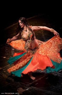 ♫♪ Music & Dance ♪♫ Saida in beautiful green and orange costume | Bellydance Vogue