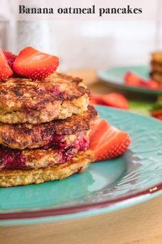 Banana oatmeal pancakes with raspberries, healthy, no sugar, breakfast, dessert. Banana Oatmeal Pancakes, Breakfast Dessert, Raspberries, Salmon Burgers, French Toast, Sugar, Cooking, Healthy, Ethnic Recipes