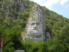 Statuia lui Decebal, pe Dunare Mount Rushmore, Beautiful Places, Mountains, Landscape, Nature, Travel, Scenery, Naturaleza, Viajes