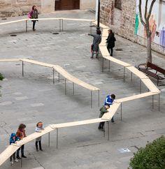 EL CIEMPIÉS Picado de Blas Plaza de San Bartolomé Landscape Elements, Landscape Materials, Urban Intervention, Public Art, Public Spaces, Land Art, Urban Design, Playground, Madrid